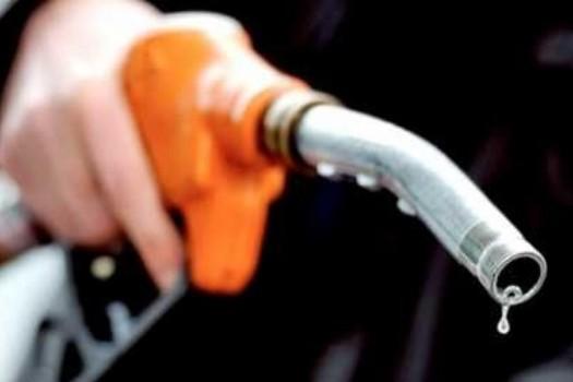 Estacioneros afirman que en julio los combustibles subirán