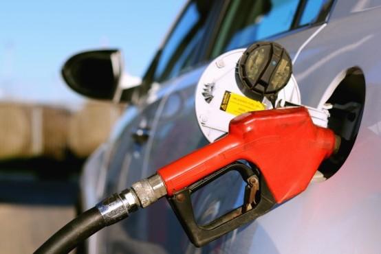 El Gobierno libera los precios de los combustibles desde octubre