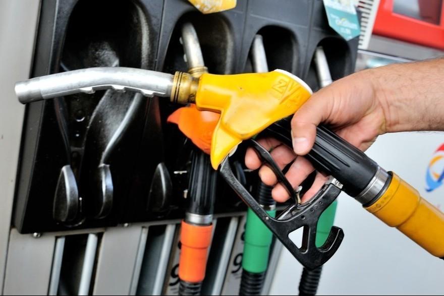 Advierten que es inminente un nuevo aumento en los combustibles