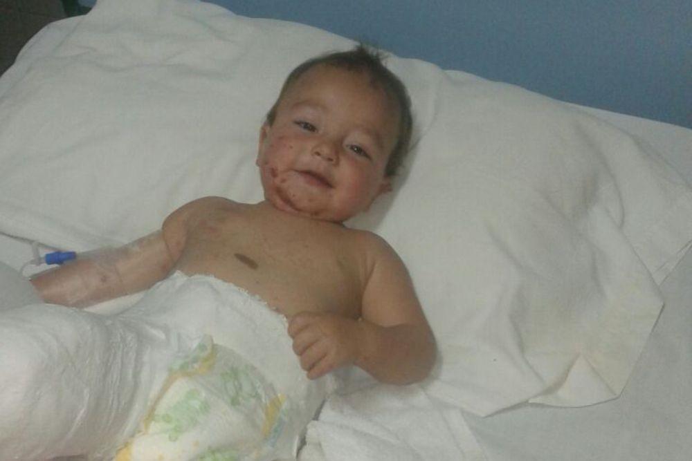 Un bebé salvó su vida de milagro tras un accidente