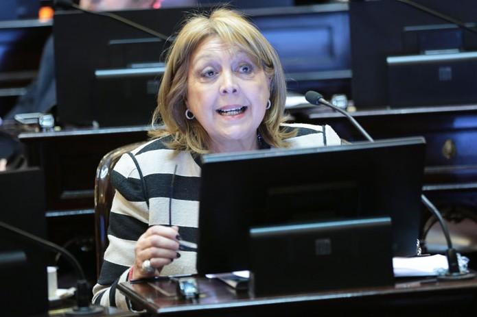 Lombardi volvió a defender los despidos en Télam