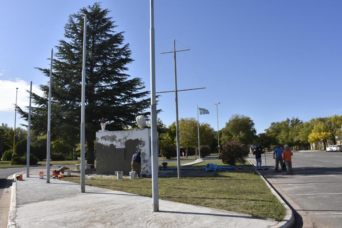 Acto y desfile en homenaje a los veteranos y caídos en Malvinas